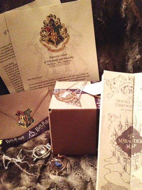 Wizard School Acceptance Letters : Harry Potter Gift
