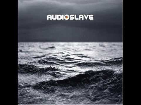 """Audioslave — """"Doesn't Remind Me"""" (In-studio 2005) - YouTube"""