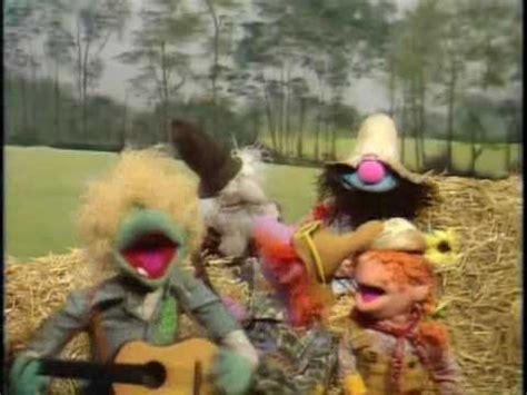 """The Muppet Show: The Gogolala Jubilee Jugband - """"You Can't"""