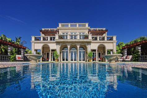 Italian-Style Villa in Florida Heads to Auction with No