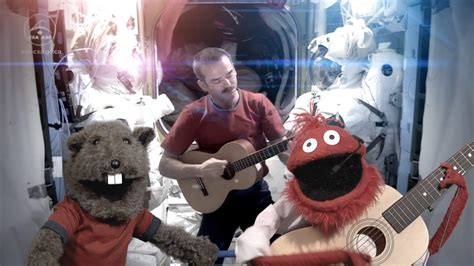 Chris Hadfield and the Glove and Boots Puppets Sing David
