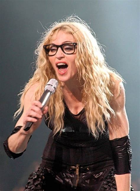 7 Celebrities with Bad Vision / Glasses - Love or Hate