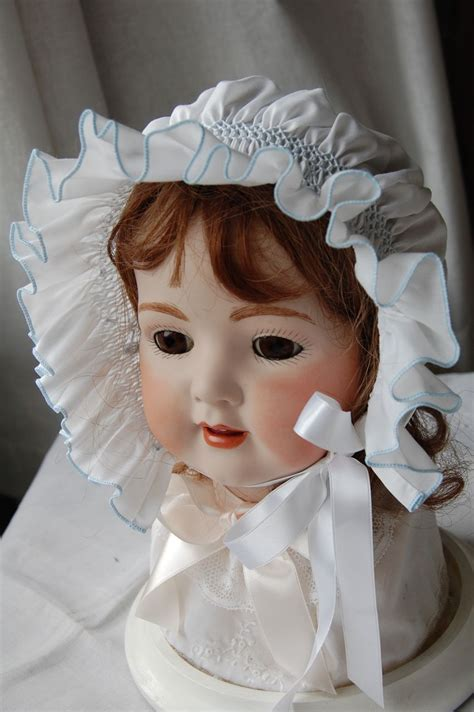 The Old Fashioned Baby Sewing Room: Smocked Bonnet